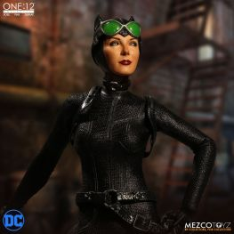 mezco catwoman figure looking up