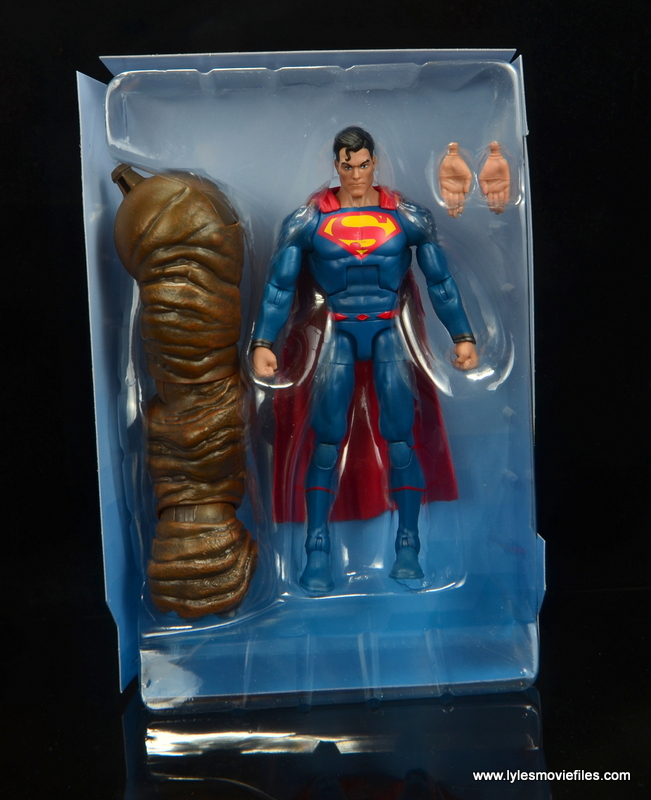 dc multiverse superman rebirth figure review - accessories in tray