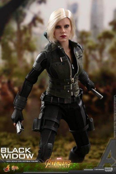 hot toys avengers infinity war black widow -charging up