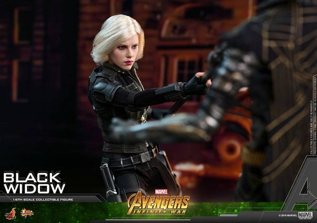 hot toys avengers infinity war black widow - fighting glave