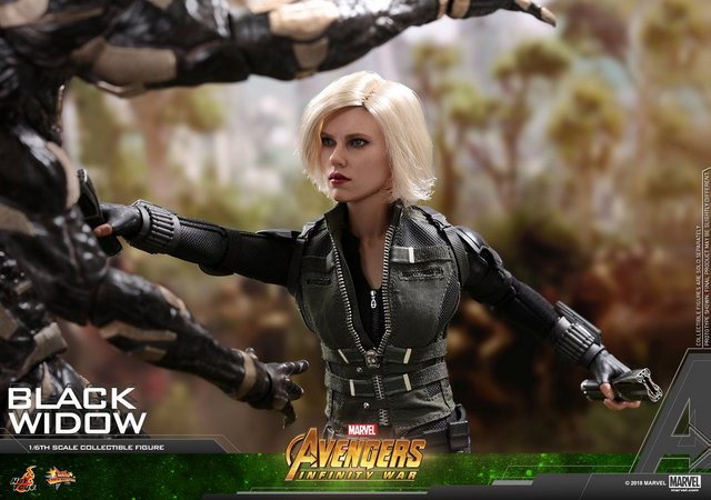 hot toys avengers infinity war black widow -fighting outrider