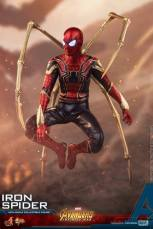 hot toys avengers infinity war iron spider-man figure - perching