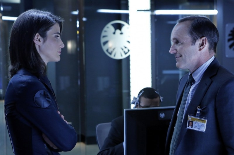 marvels-agents-of-shield-pilot cobie-smulders-as-maria-hill-and-clark-gregg-as-agent-coulson