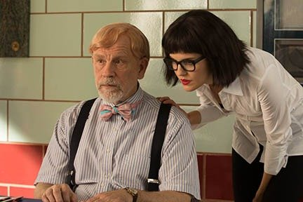 supercon-movie-review-john-malkovich-and-maggie-grace