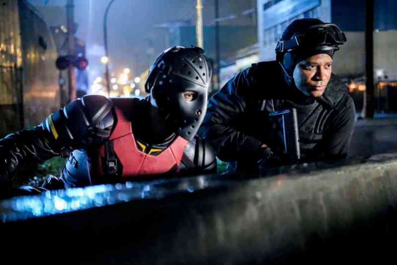 arrow-the-ties-that-bind-photos - wild dog and diggle