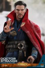 hot toys avengers infinity war doctor strange figure -outfit detail
