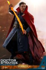 hot toys avengers infinity war doctor strange figure -preparing to strike with sword