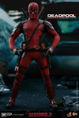 hot toys deadpool 2 figure - gun finger