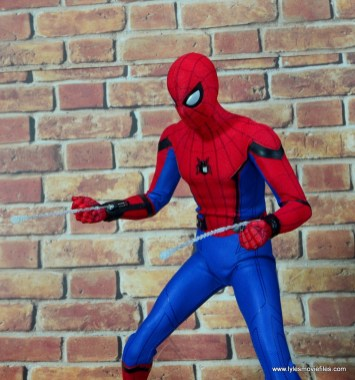 hot toys spider-man homecoming figure review - web bullets