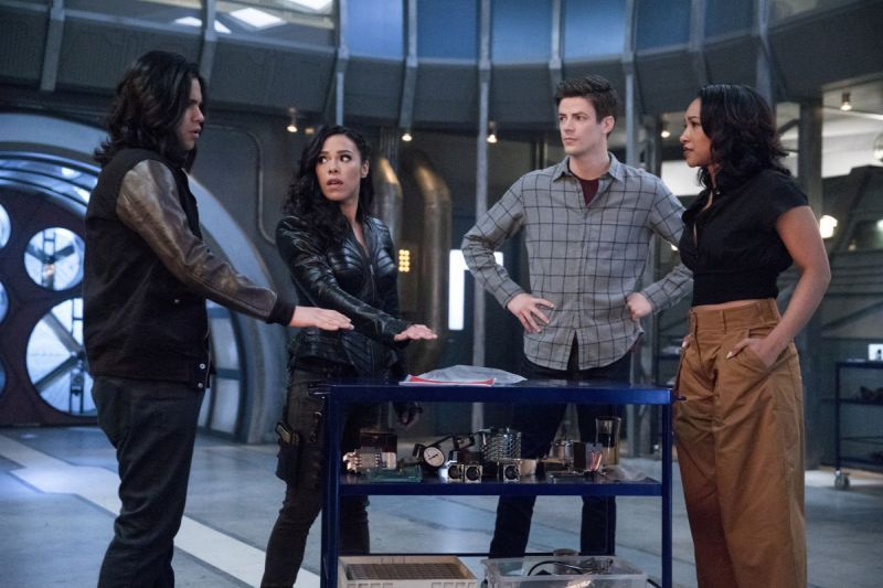 the flash therefore she is - cisco, gypsy, barry and iris