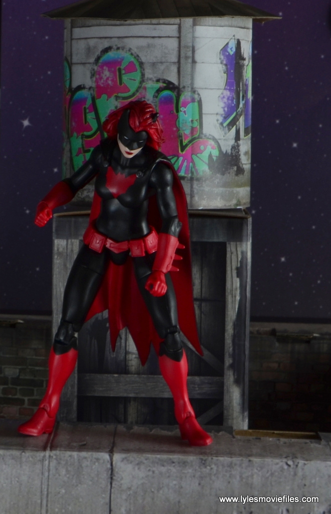 dc multiverse batwoman figure review - on rooftop ledge