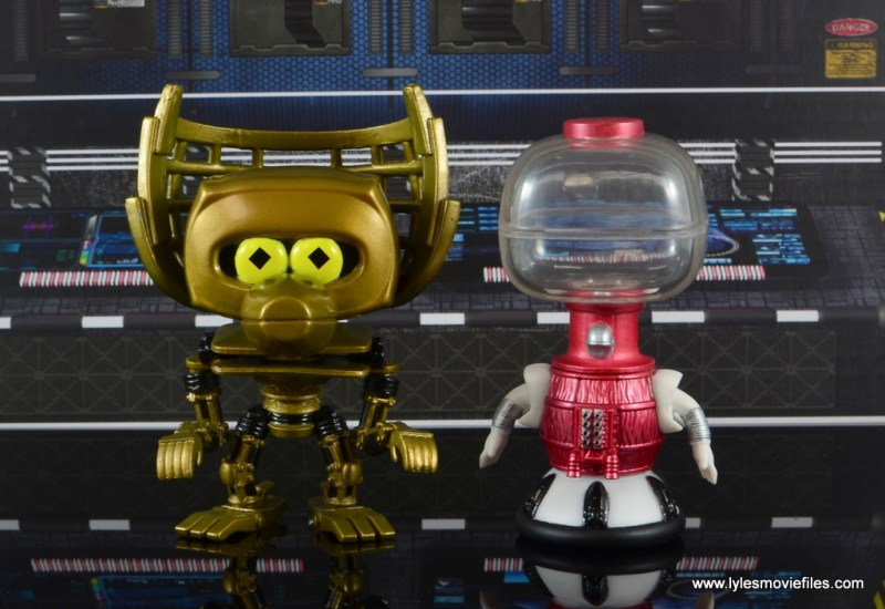 funko pop crow t. robot and tom servo figure review - detail