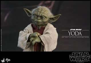 hot toys attack of the clones yoda figure -hands on cane