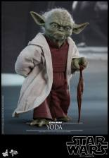 hot toys attack of the clones yoda figure -using cane