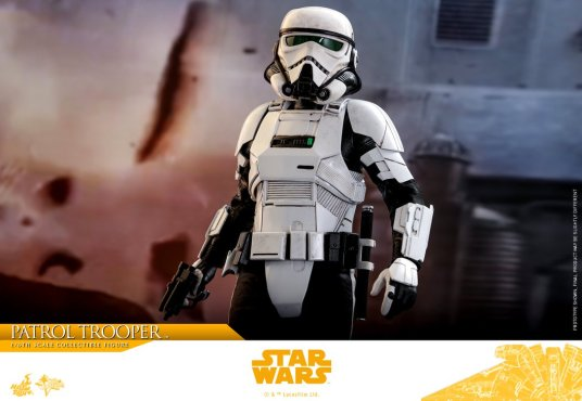 hot toys solo a star wars story patrol trooper figure -straight
