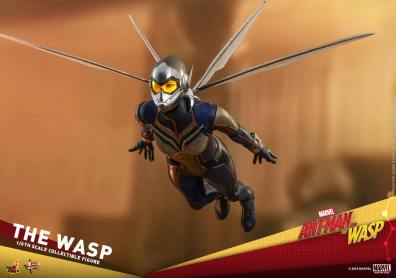 hot toys the wasp figure -flying ahead