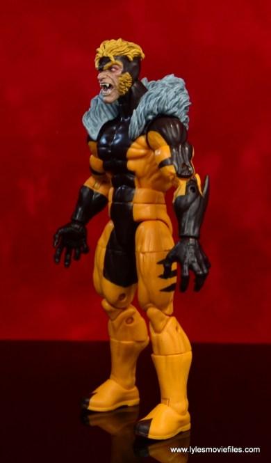 marvel legends sabretooth figure review - left side
