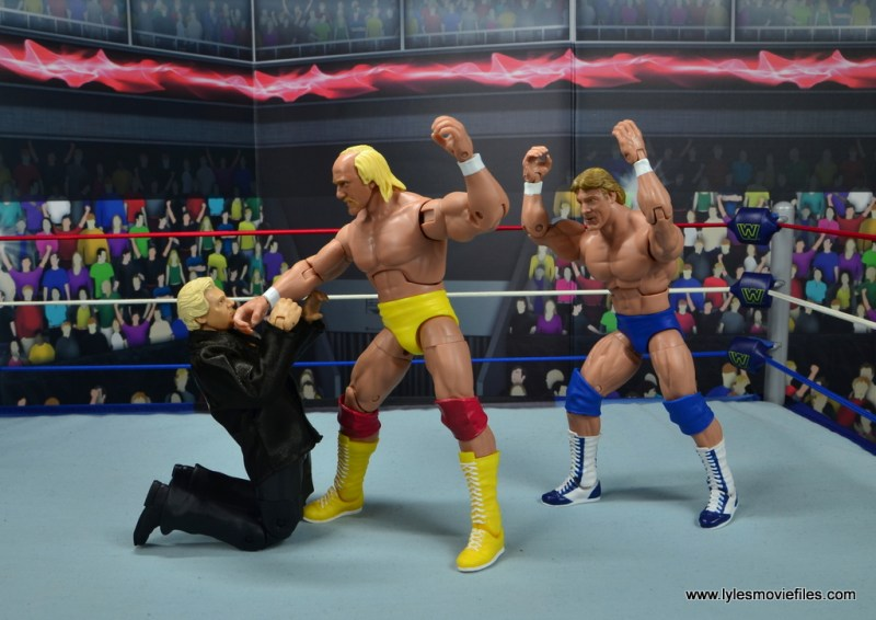 wwe fan central bobby heenan figure review - hogan about to get the brain