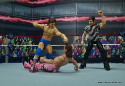 wwe hall of fame rowdy roddy piper figure review - punching rude