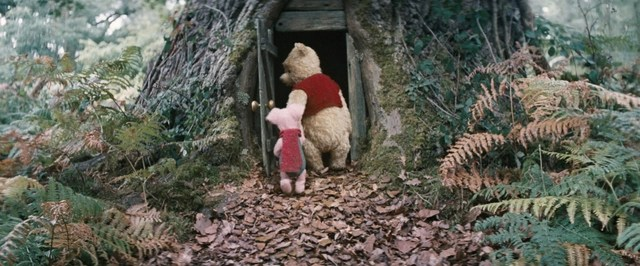 christopher-robin-movie-review-piglet-and-winnie-the-pooh