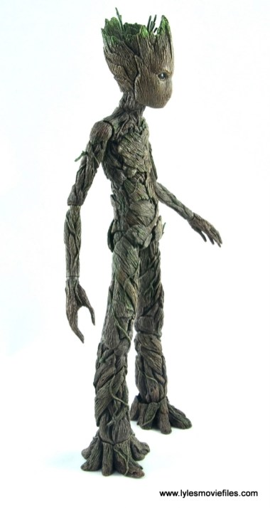 hot toys avengers infinity war groot and rocket review - groot right side