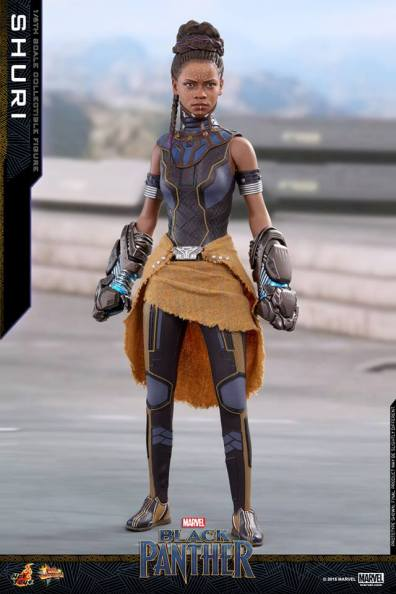 hot toys black panther shuri figure -outfit detail
