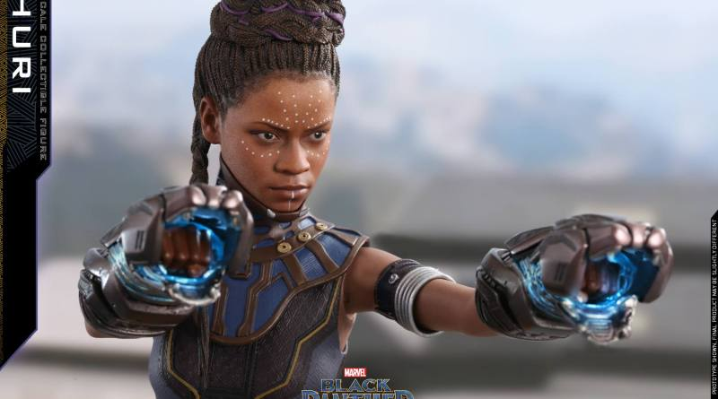 hot toys black panther shuri figure -with panther gauntlets