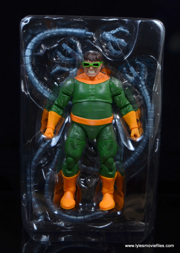 marvel legends doctor octopus figure review - accessories in tray