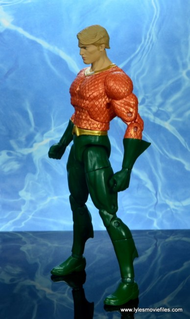dc essentials aquaman action figure review - left side