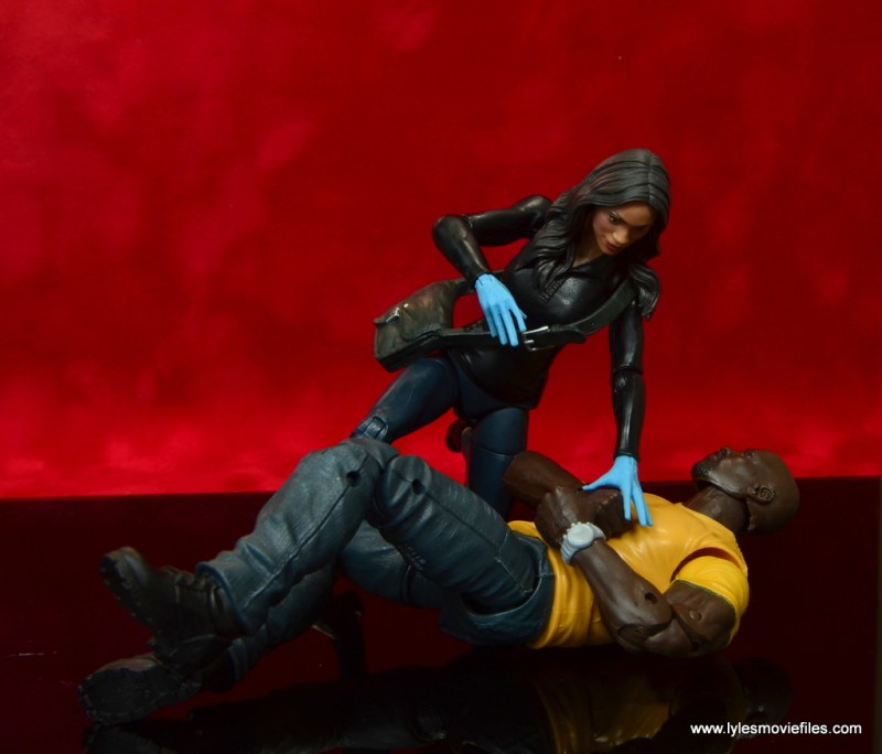 marvel legends luke cage and claire figure review -claire temple helping cage