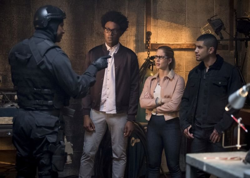 arrow-the-longbow-hunters-diggle, curtis, felicity and rene