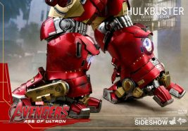 hot toys hulkbuster iron man deluxe version figure - feet detail