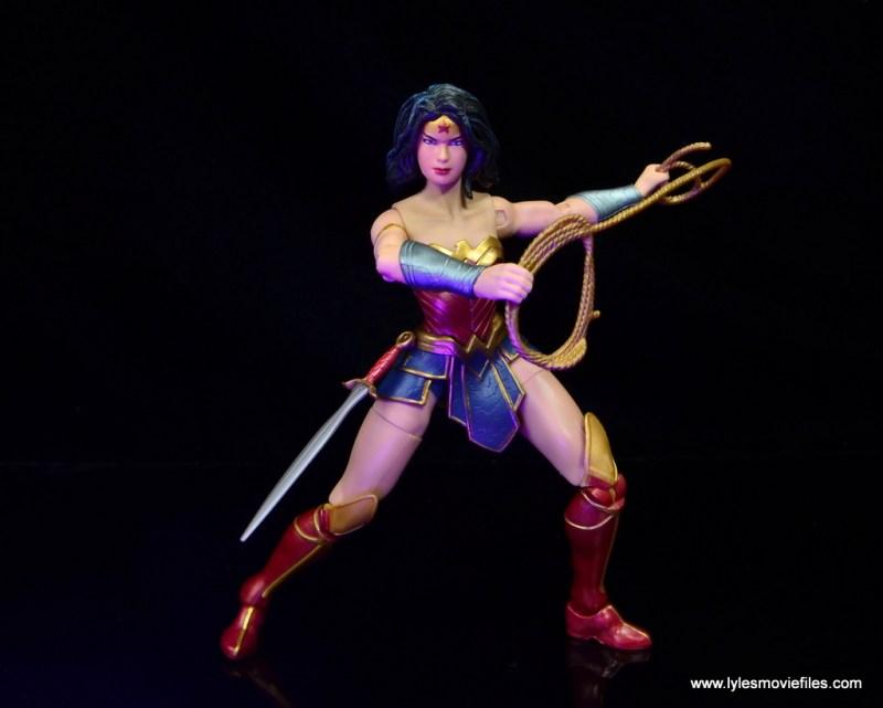 dc multiverse wonder woman figure review -holding lasso