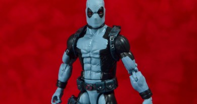 marvel legends x-force deadpool figure review -main pic