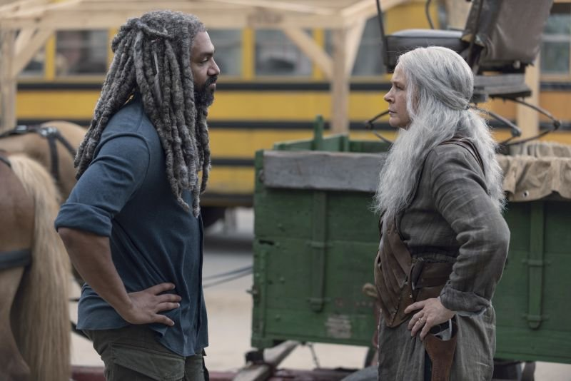 the walking dead who are you now review - ezekiel and carol