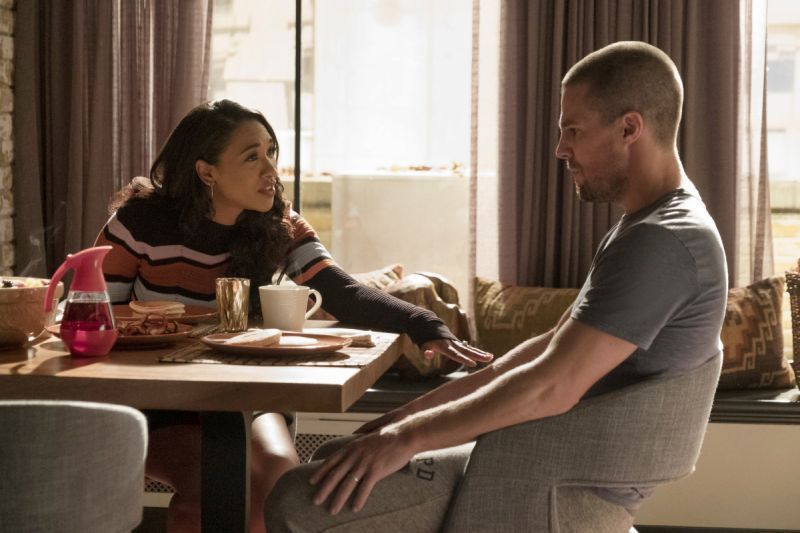 the flash - elseworlds Part 1 - iris and oliver