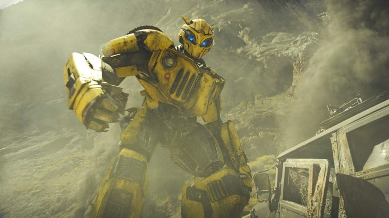 bumblebee movie review - bumblebee in attack mode