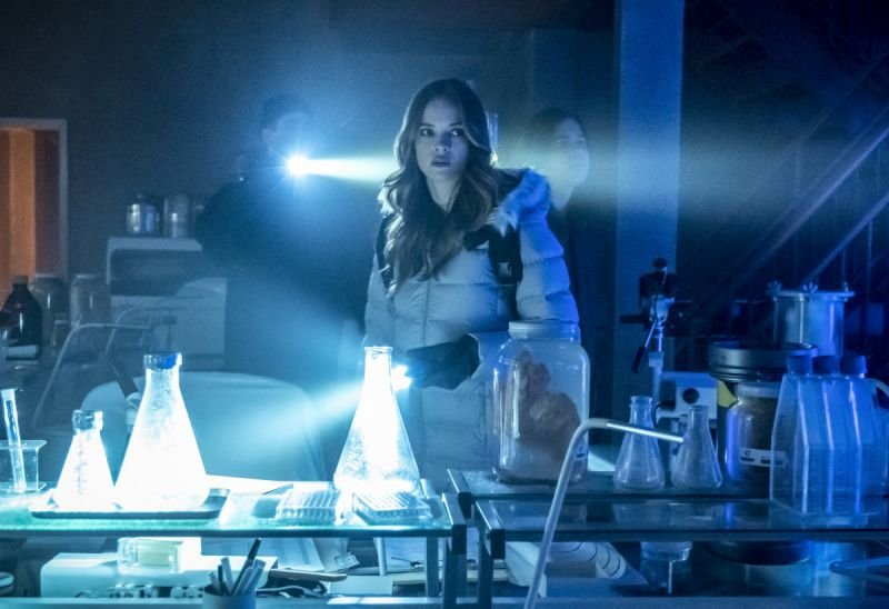 the flash the icicle cometh review - barry, caitlin and cisco in the north pole