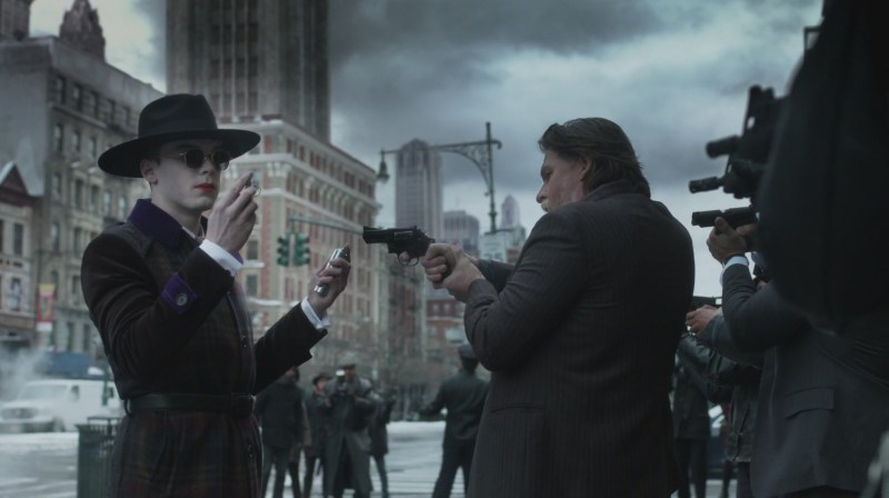 gotham one bad day review -jeremiah stand off with bullock