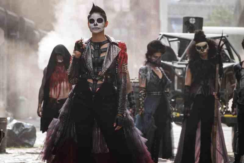 gotham trespasers review - black light skeleton crew