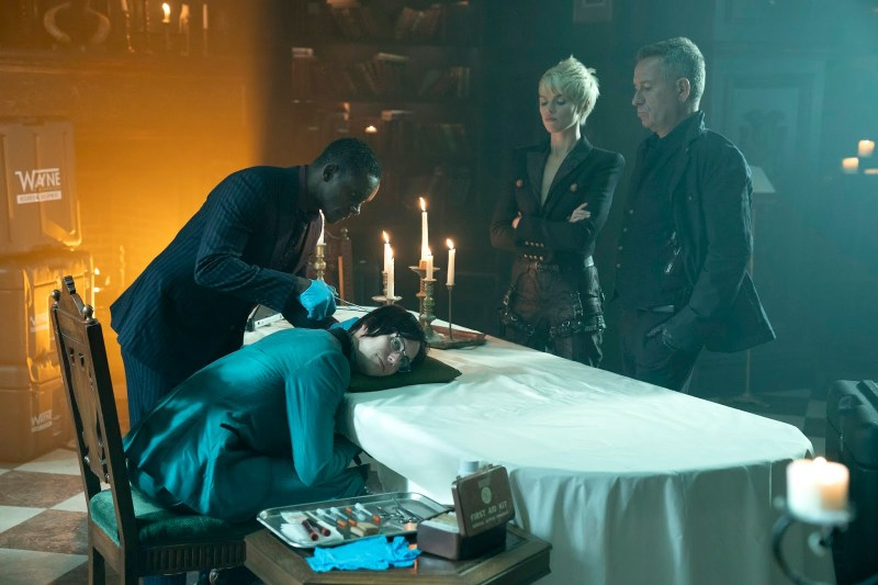 Gotham-13-Stitches review -lucius, nygma, barbara and alfred