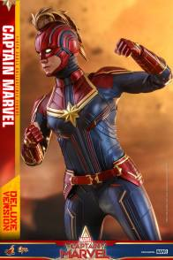 hot toys captain marvel deluxe figure -normal hair