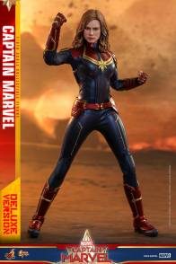 hot toys captain marvel deluxe figure -time for action