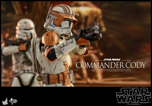 hot toys star wars revenge of the sith commander cody figure -aiming blaster