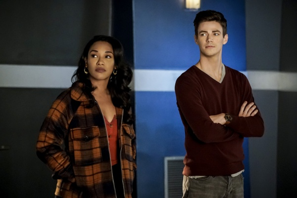 the-flash-memorabilia-review - iris and barry