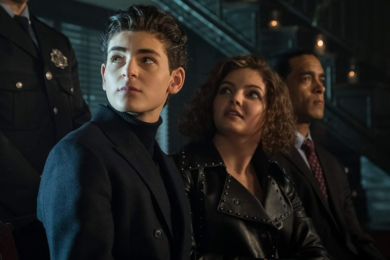 gotham - the trial of jim gordon review -bruce and selina