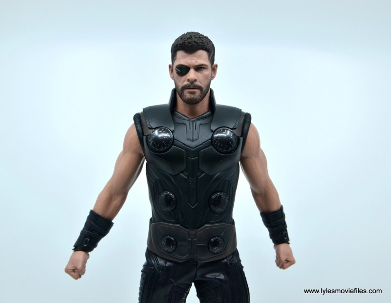 hot toys avengers infinity war thor figure review - bare arm wide shot