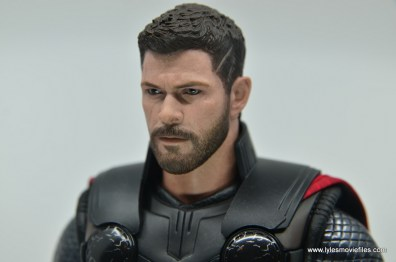 hot toys avengers infinity war thor figure review - head side left