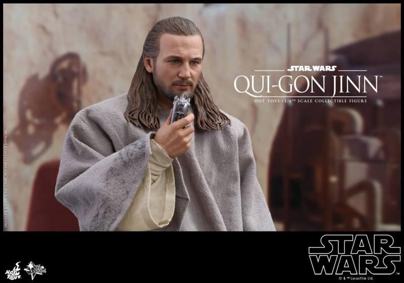 hot toys star wars the phantom menace qui-gon jinn figure -talking to obi-wan