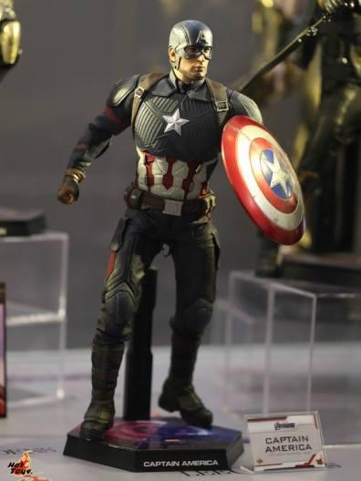 hot toys avengers endgame exhibit captain america